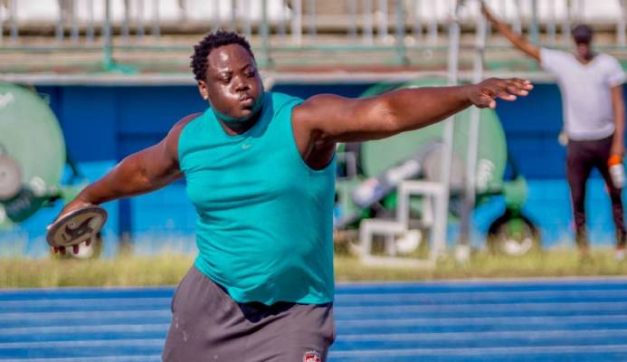 Stewart: 'I want to break discus world record'